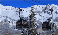 Mountain Lodge Telluride - Gondola Cars Passing Over the Mountain Lodge