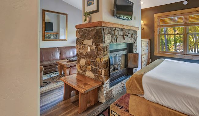 Junior Suites With Kitchen at Mountain Lodge Telluride